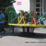 Meja putar 150x150 MAINAN OUT DOOR
